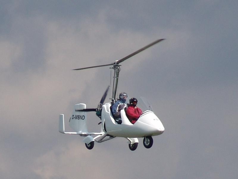 Tragschrauber im Landeanflug